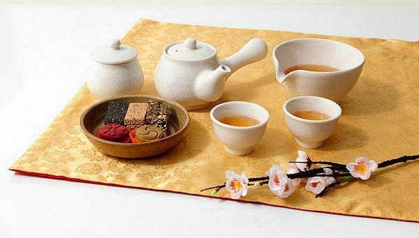 云南西双版纳的茶祭风俗茶文化茶礼 www.qinpincha.com